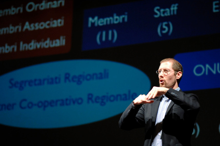 """Presentation at the Seminar """"History of the World Federation of the Deaf and XVI Congress of the WFD in Durban"""" -  Caltanissetta, Italy - 26 November 2011 - ☝ ⏎"""