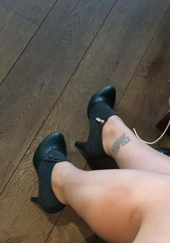 green heels, dragon tattoo