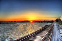 wisconsin-madison-sunset-over-the-train-