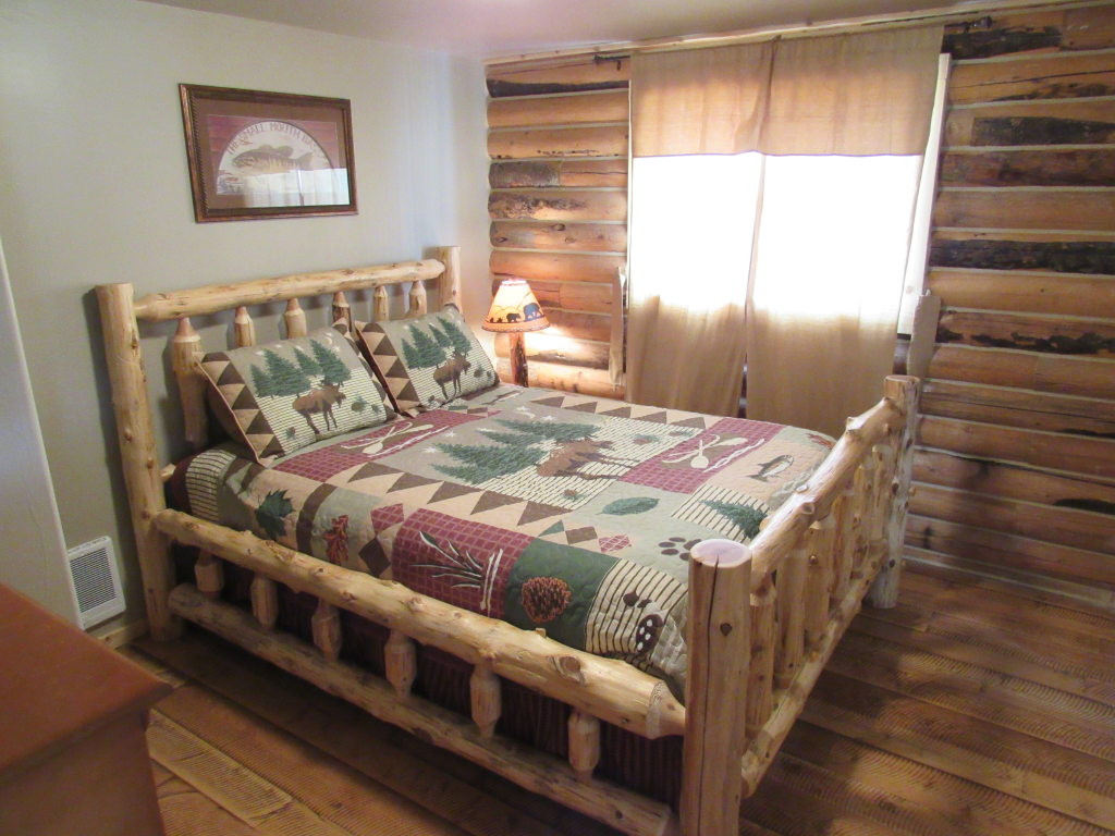 Main level bedroom.jpg