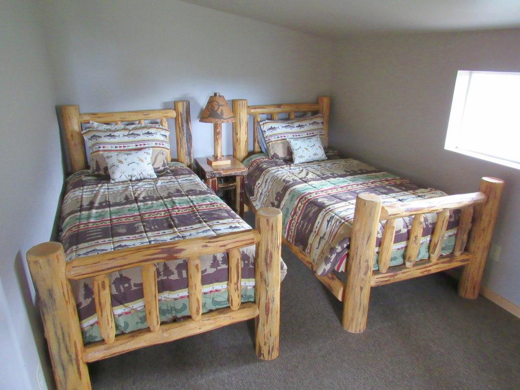Twin beds in loft.jpg