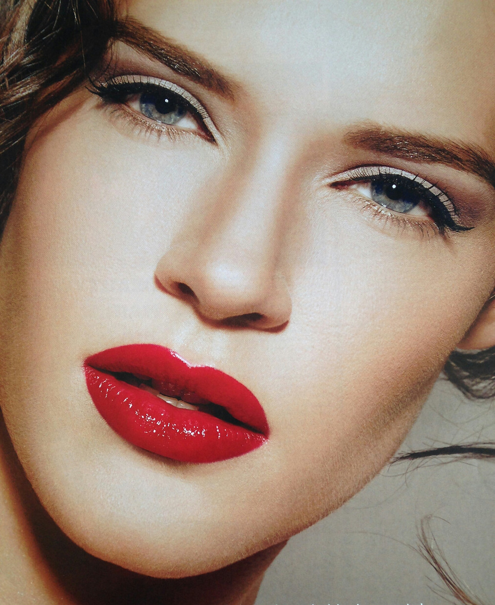 Red lips are thought to be the sexiest!