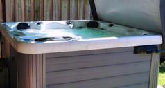 Dominion Spas Hot Tub.jpg