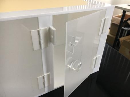 <製作事例>  プラスチック製品の断裁、穴あけ、変形カット接着、応用品への製作