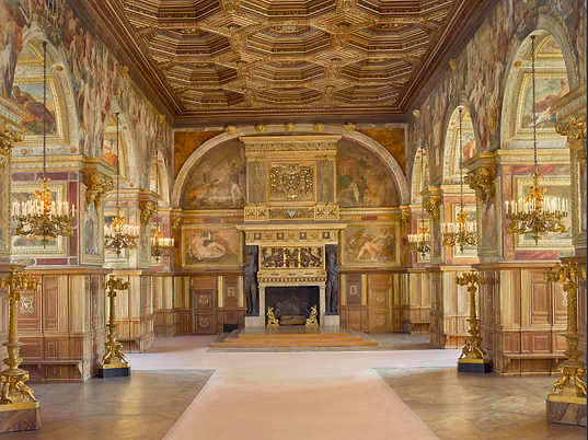 Take part in the restoration of the golden ballroom of Fontainebleau Castle