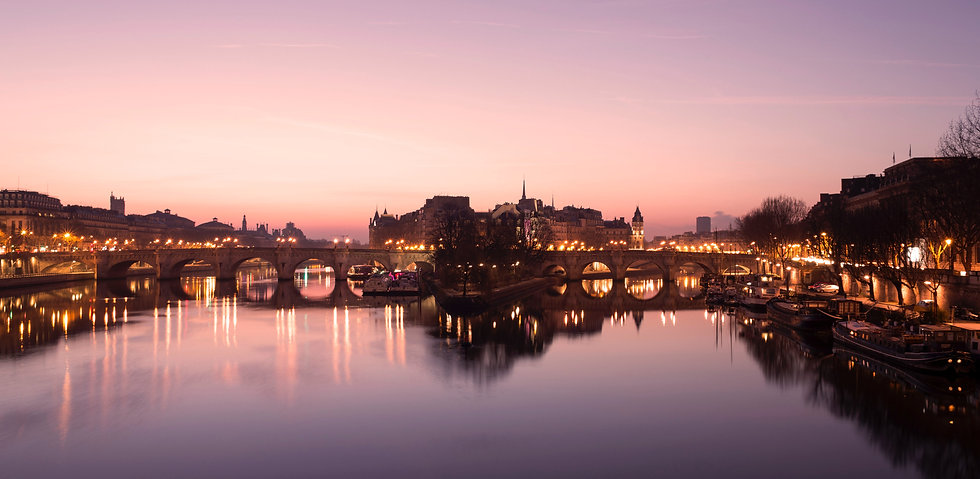Sunsent over Paris and the Pont Neuf by geoffroy-hauwen