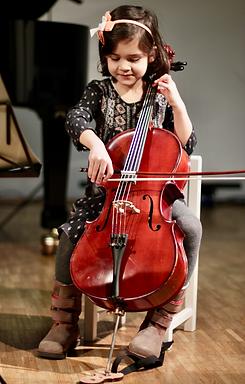 kleine Celloschülerin