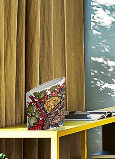 Vaso in ceramica artistica carretto siciliano dai colori vivi e lucidi, un esplosione di colori bene accostati tra loro