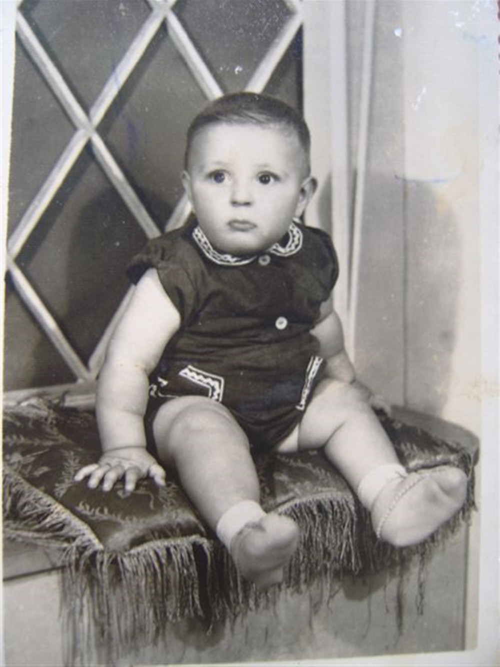 Meu pai com 8 meses de vida.