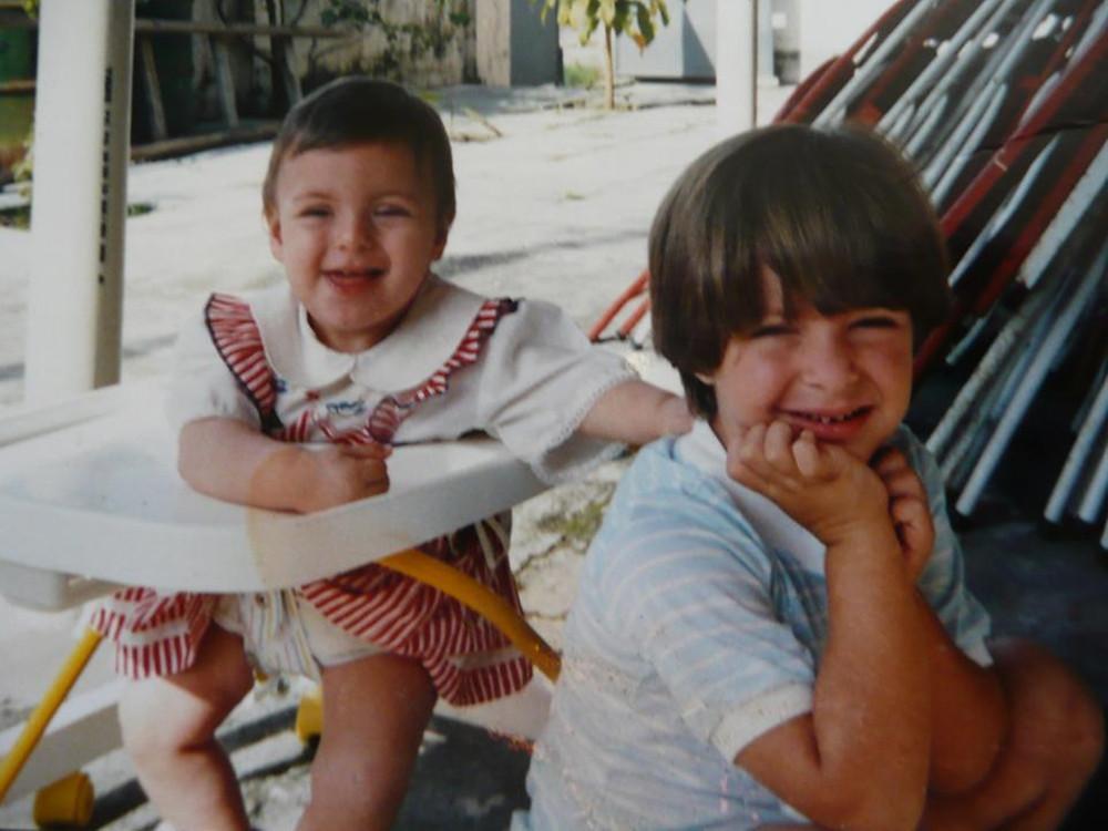Sempre abraçei minha irmã hahaa