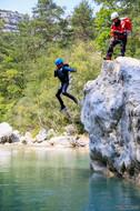 Saut en randonnée aquatique verdon var alpes de haute provence
