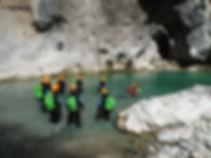 le groupe et son guide pour un briefing . Rando Aqua Verdon
