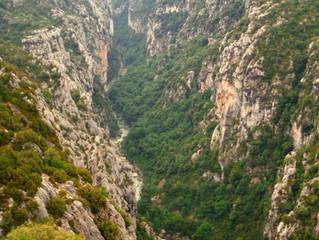 Le canyon du Verdon, vue du belvédère de Mayreste.
