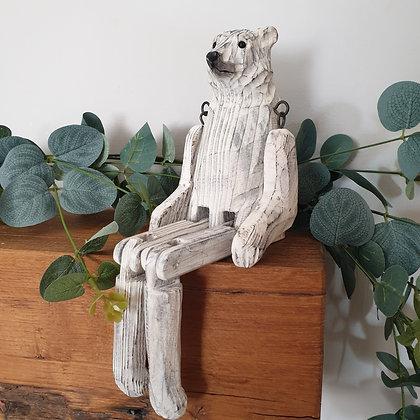 CARVED POLAR BEAR