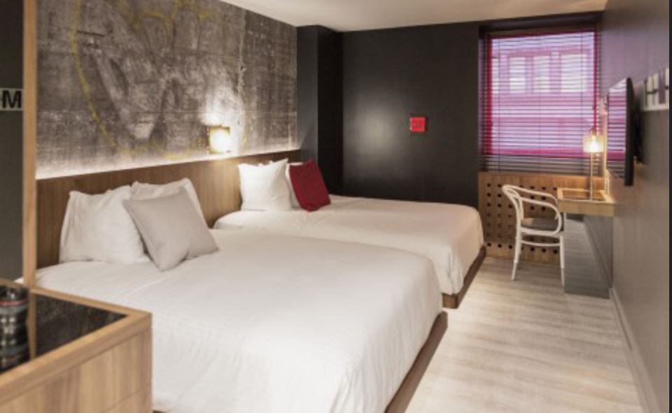 trident hotel room.JPG