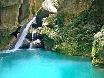 Bassin Bleu a Jacmel, Haiti