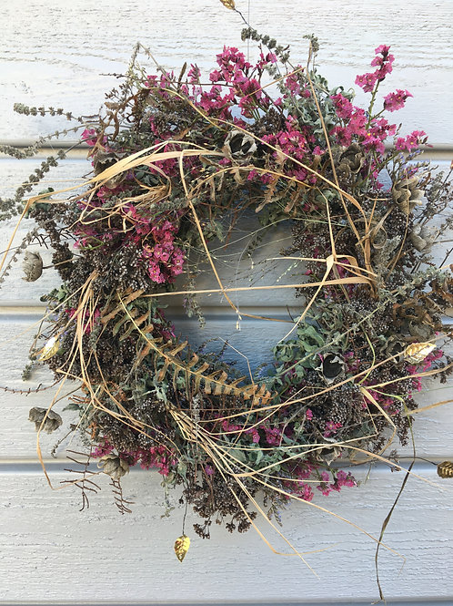 Kranz aus getrockneten Blumen