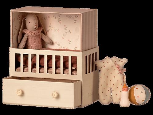 Baby Zimmer mit Hase