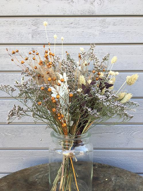 Strauss aus getrockneten Blumen