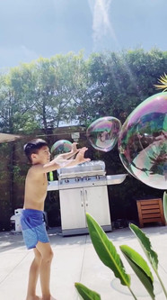 SloMo Bubble Dance // Felicia Wong — Storytelling
