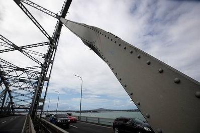 Auckland Harbour Bridge damage.jpg