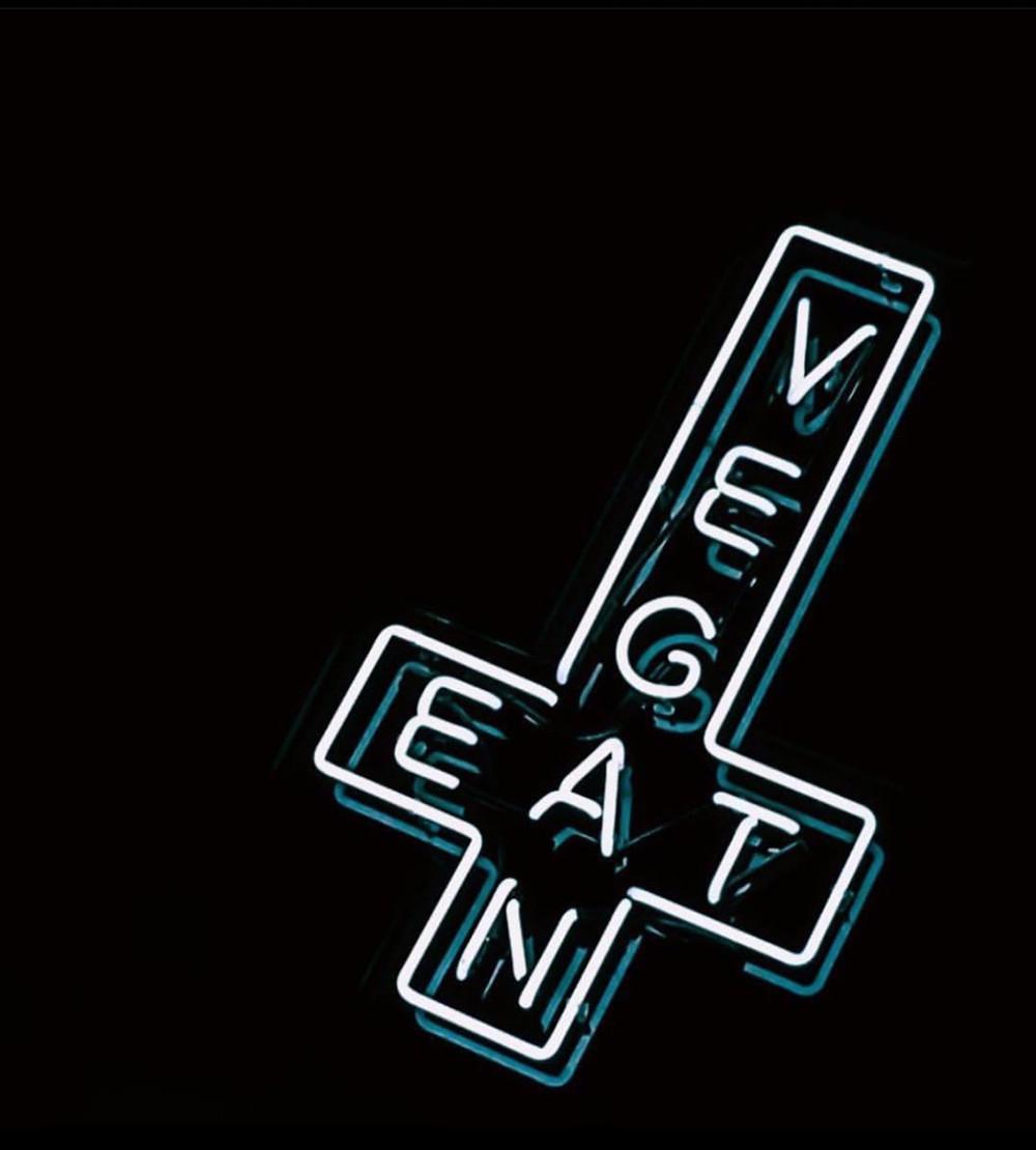 Smith & Daughters Eat Vegan Crucifix