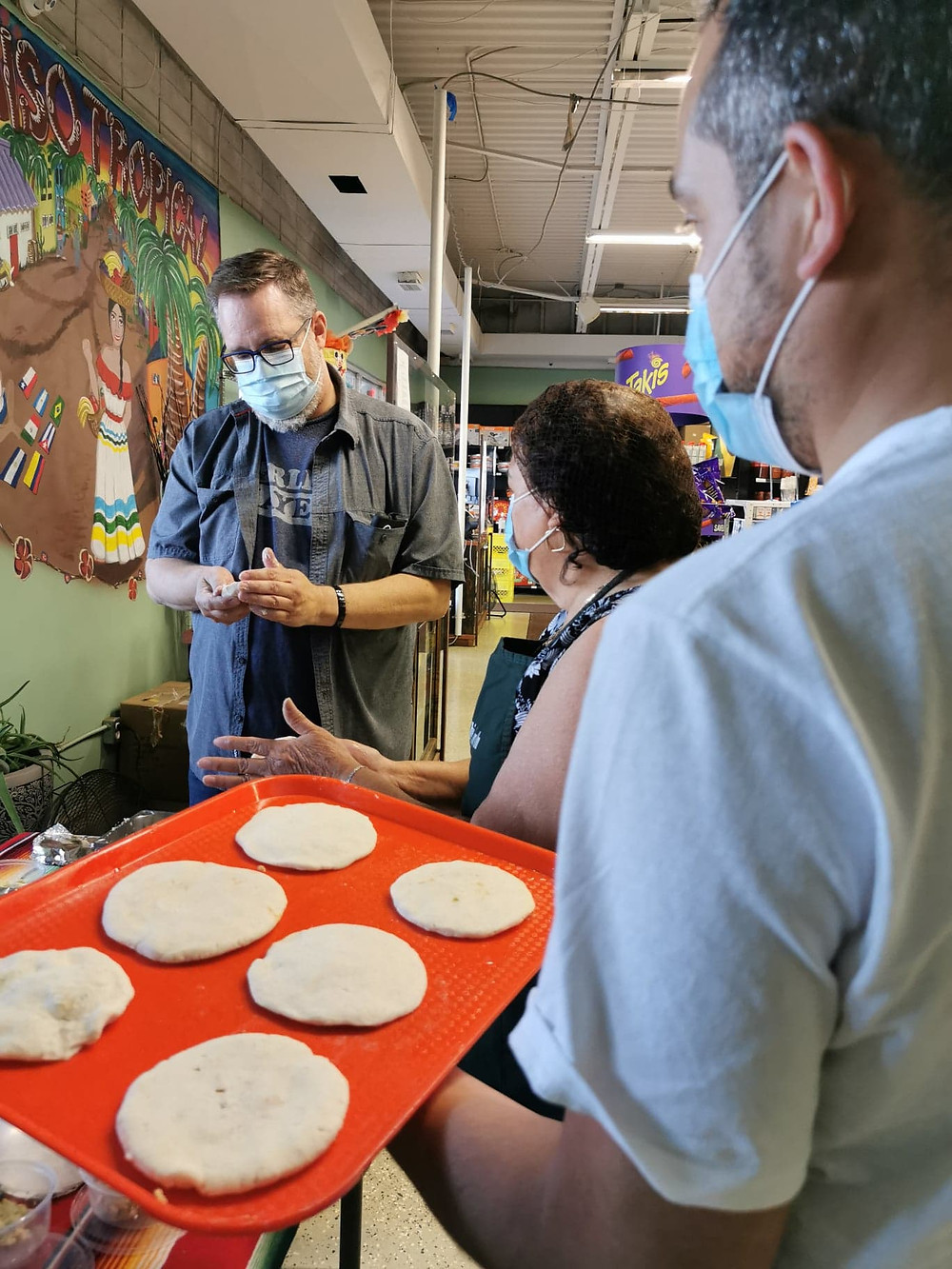 Paraiso South Tour guest learns how to make pupusas.