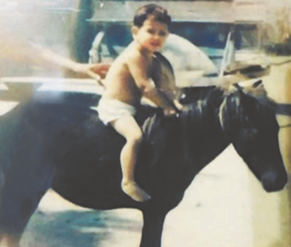 Mike smith on pony