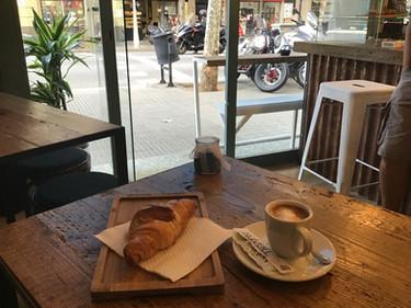 croisant cafe.jpg