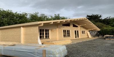 Blackrock Special with 2 Bedrooms, Living/Kitchen & large Decking