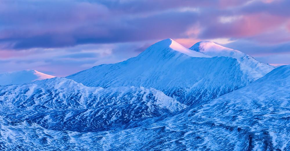 The Easain Mountains