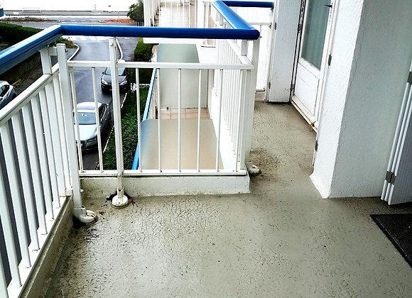 VENDU - Appartement latéral mer à rénover à La Baule