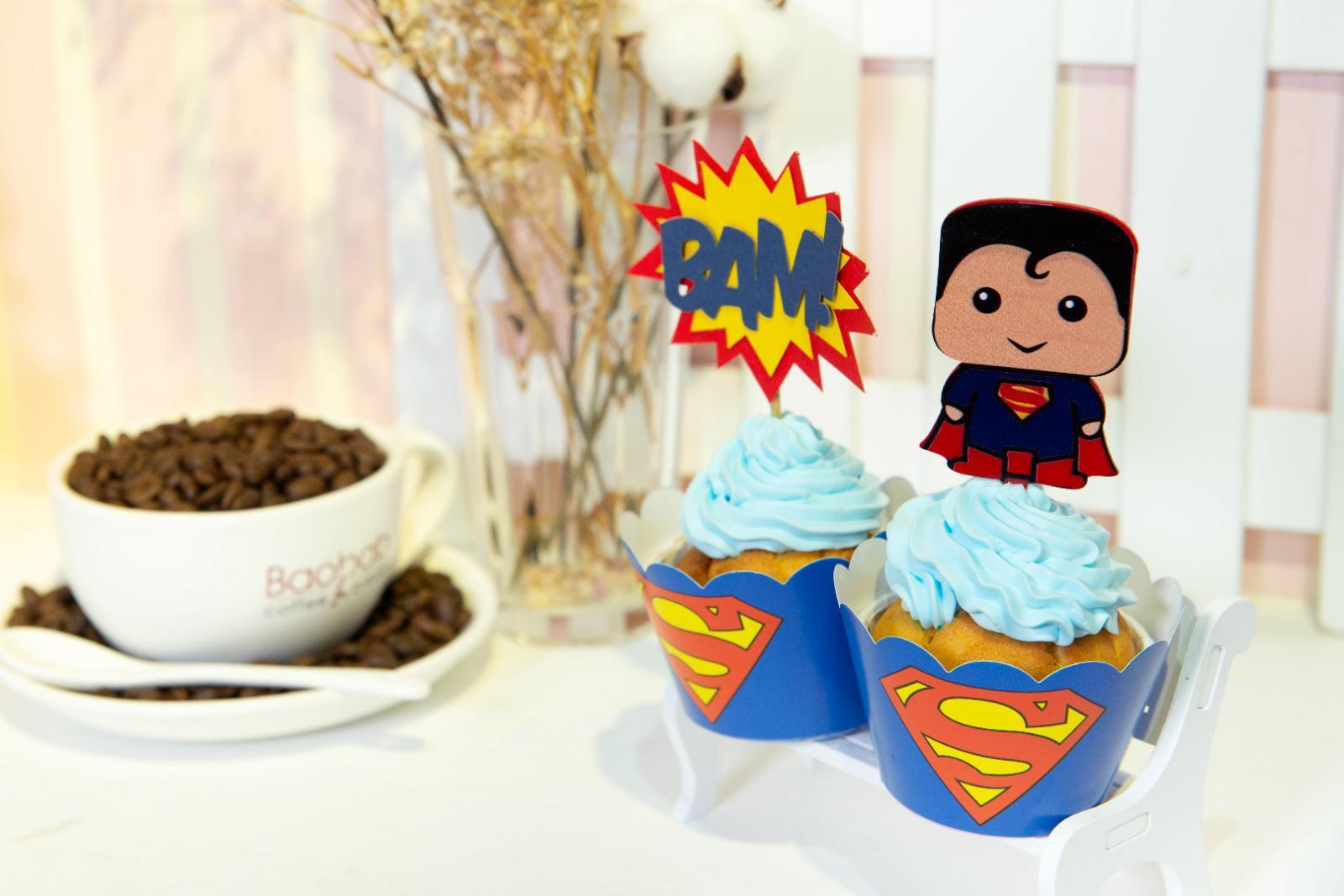 超人杯子蛋糕