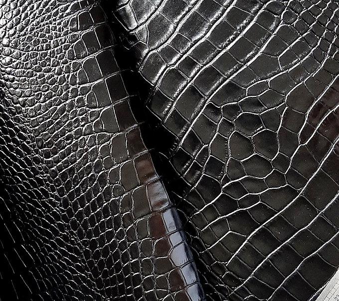 croco-czarne-szeroki-wzór-połysk.jpg