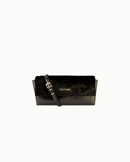 portfel-czarny-czarne-wlosie-front-pasek