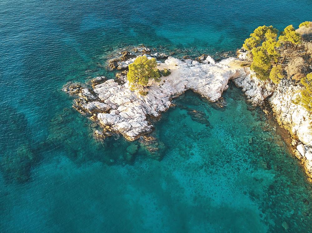 Grèce, Skopelos, Deux Pas Vers l'Autre