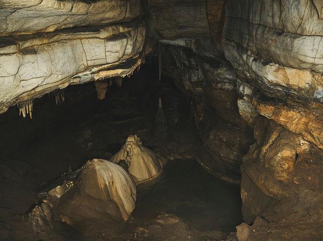 deux pas vers l'autre, 2PVA, traversée de l'Europe, voyage à pied, randonnée ultralight, europe, slovénie, randonnée slovenie, Notranjska, grotte krizna