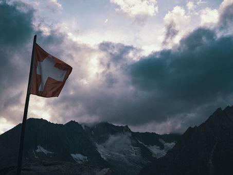 deux pas vers l'autre, 2PVA, thru-hike europe, ultralight hiking trip, europe, switzerland, alps, upper valais, swiss flag