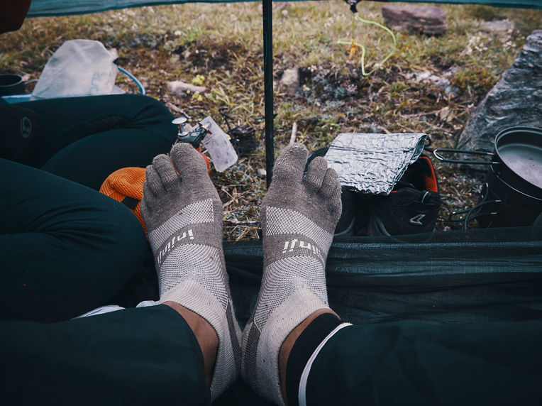 deux pas vers l'autre, 2PVA, thru-hike europe, ultralight hiking trip, europe, switzerland, alps, upper valais, injinji, 5 toes socks