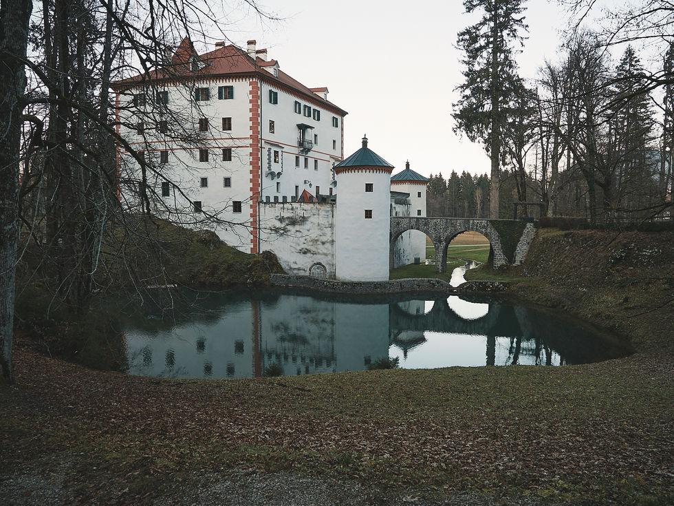 deux pas vers l'autre, 2PVA, thru-hike europe, ultralight hiking trip, europe, slovenia, hiking slovenia, Notranjska, krizna jana cave