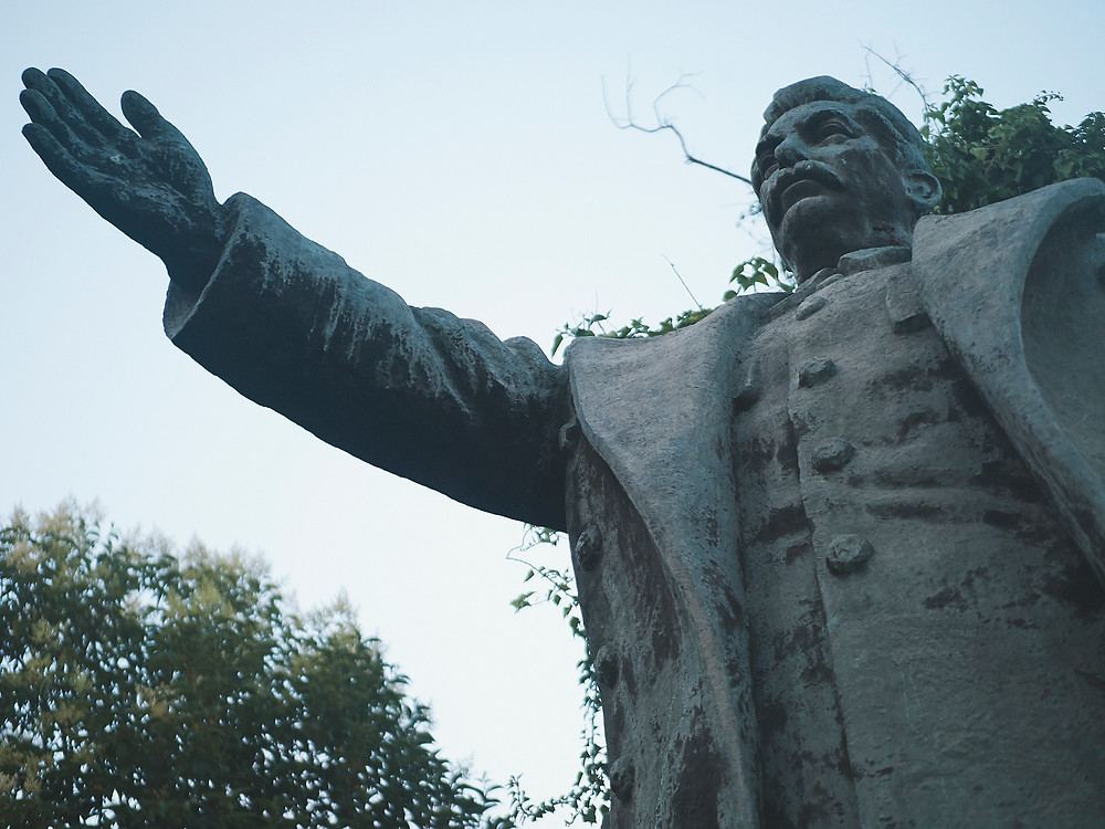 Albanie, statue Staline
