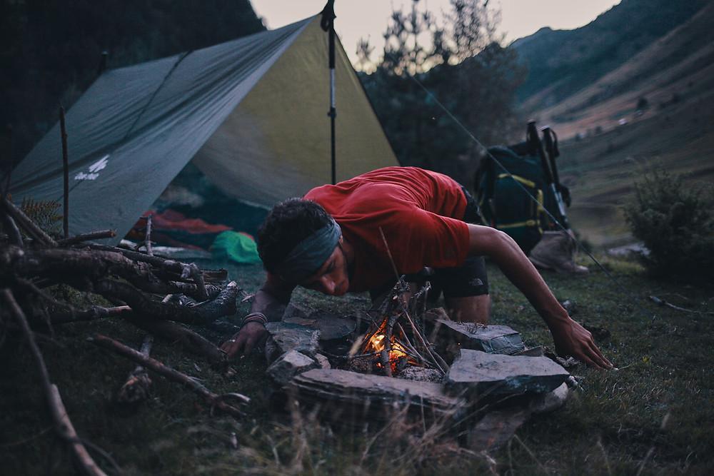 Deux Pas Vers l'Autre - Camp fire - Hiking - Pyrenees
