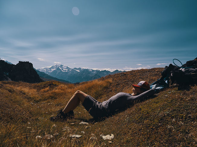 deux pas vers l'autre, 2PVA, thru-hike europe, ultralight hiking trip, europe, switzerland, alps, upper valais, marie, nap