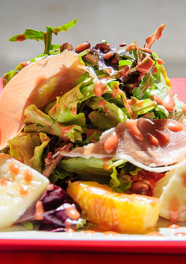 salade with proscuitto