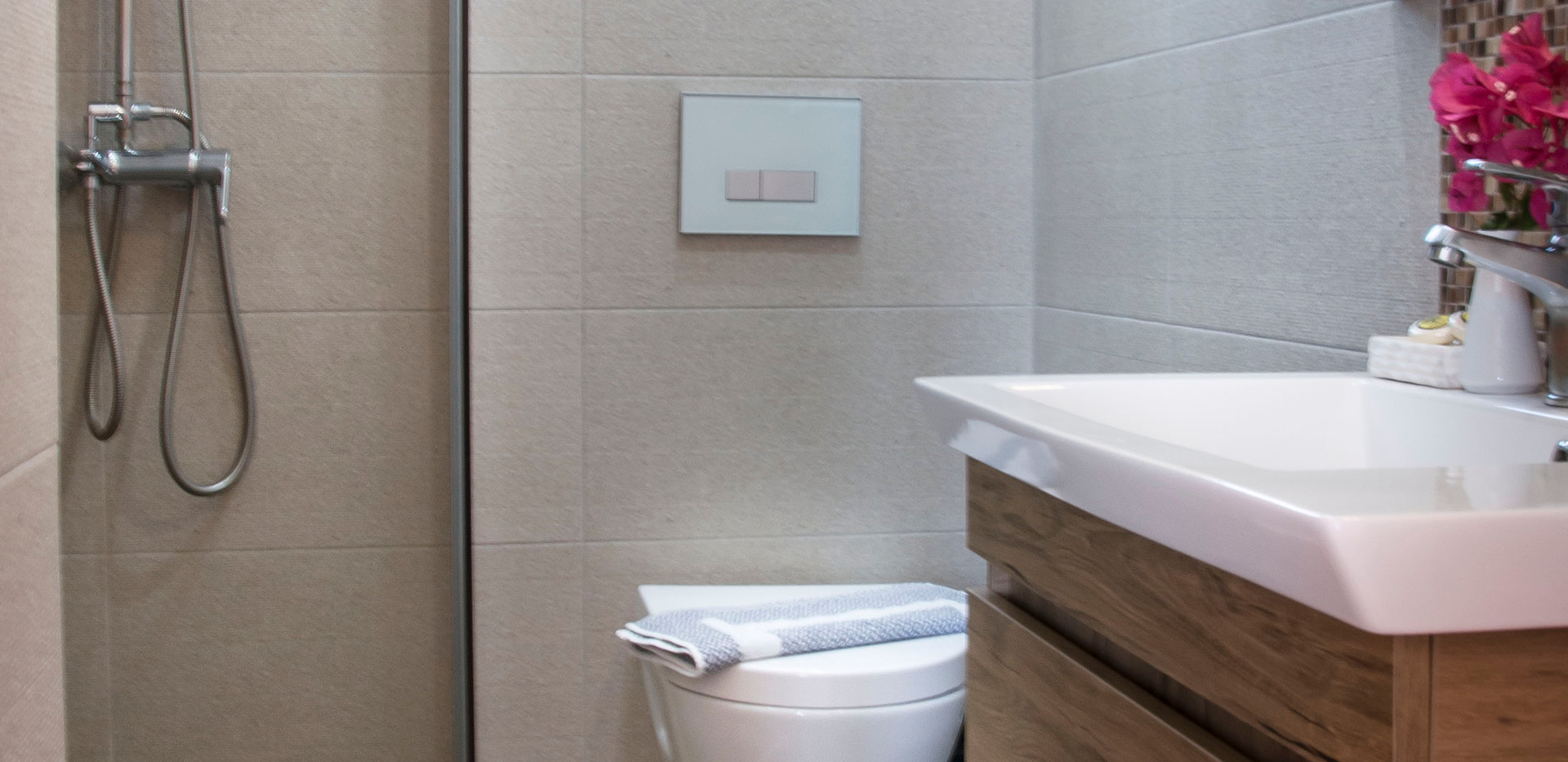 bathroom of triple room/ 2floor