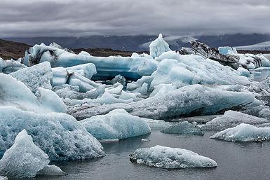 jokulsarlon and fjallsarlon glacier lagoons near vatnajokull, Iceland, super jeep tour to jokulsarlon lagoon,tailor made tours in Iceland