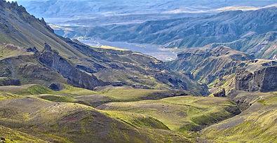 Stakkholtgja ravine and glacier flood plains in Thorsmork valley, Escursione in super jeep nella valle di Thorsmork, volcanic eruptions in Iceland, Thorsmork hiking trails