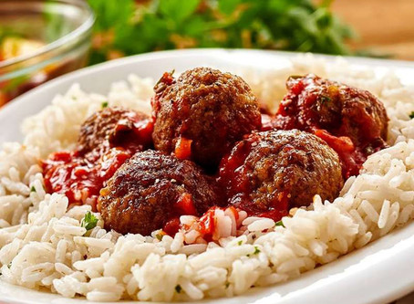 Traditional Food to try in Albania - Rice with Homemade Meatballs and Tomato Sauce