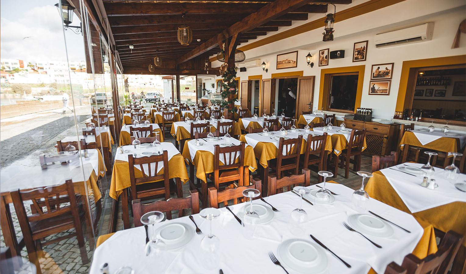 Esplanada do Restaurante Borda do Cais