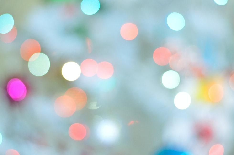defocused-image-of-lights-255379.jpg